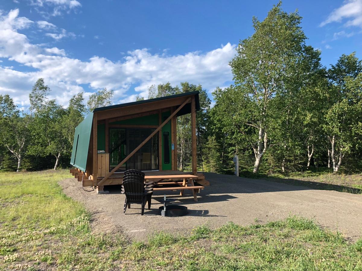 Prêts à camper au Parc national du Bic!